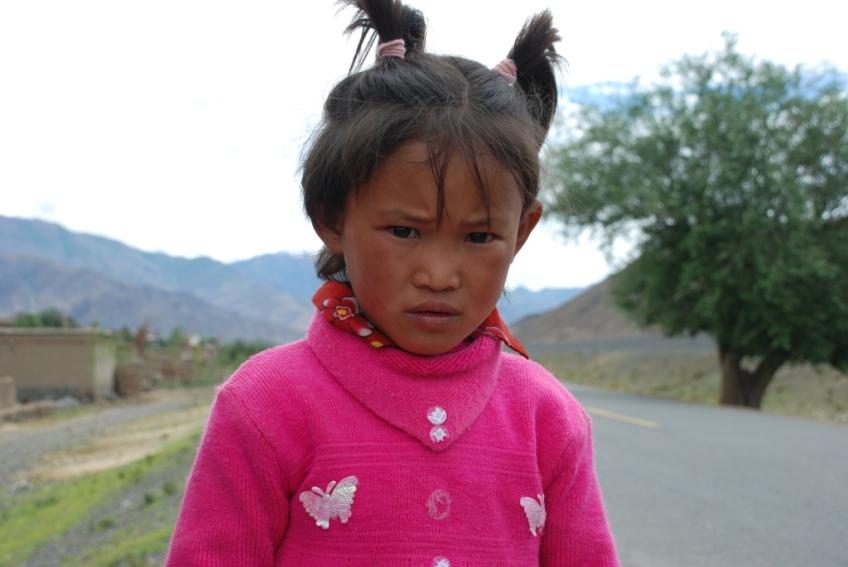 Nomad girl, between Shigatse and Gyantse